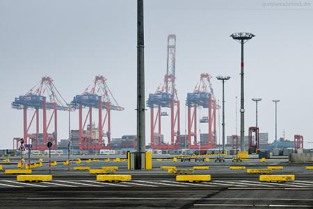 Eurogate Containerterminal Wilhelmshaven: Containerschiff MAERSK OHIO