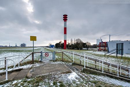 Wilhelmshaven: Morgens Höhe JadeWeserPort-InfoCenter