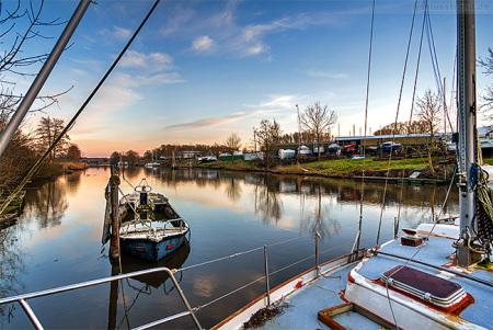 WILHELMSHAVEN MAADE: Maritime Impression vom Rüstersieler Hafen