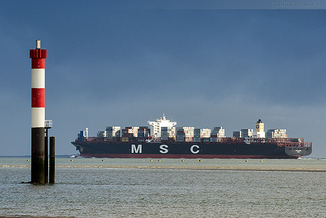 Baureihe MSC-LONDON-TYP (MSC Istanbul) von MSC am Containerhafen JadeWeserPort