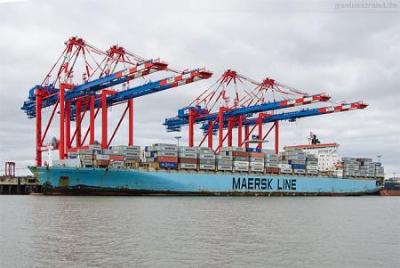 JadeWeserPort Schiffsbilder: Containerschiff MAERSK KLAIPEDA (L 299 m)