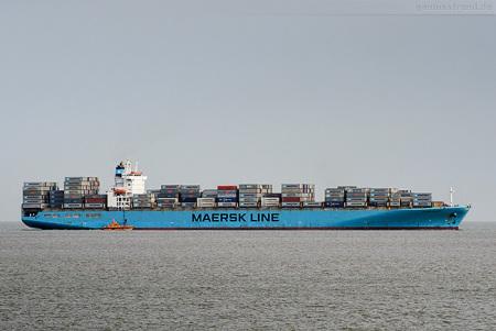 JADE WESER PORT Schiffsankünfte: Containerschiff MAERSK KALMAR