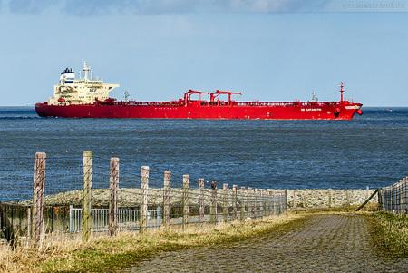 Schiffsankünfte Wilhelmshaven: Tanker NS ANTARCTIC fährt die NWO an