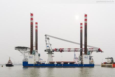 WILHELMSHAVEN: Offshore-Errichterschiff FRIEDRICH ERNESTINE