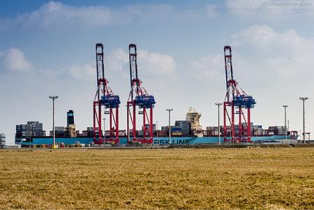 Container Terminal Wilhelmshaven (CTW): MAERSK ESSEN