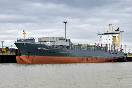 Container Terminal Wilhelmshaven (CTW): Feederschiff NEUENFELDE (L46)