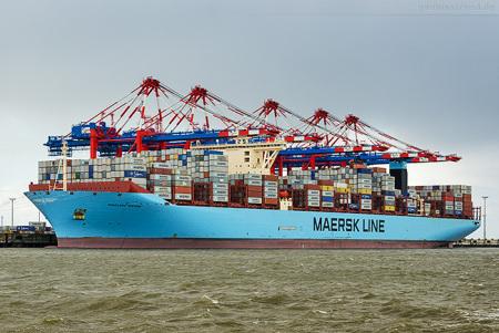 Container Terminal Wilhelmshaven: Triple-E-Klasse MAGLEBY MAERSK