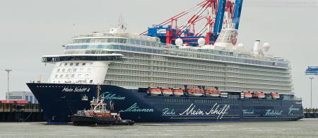 Schiffsankunft: MEIN SCHIFF 4 am JadeWeserPort in Wilhelmshaven
