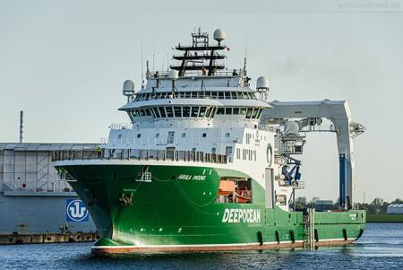 Wilhelmshaven Hannoverkai: Subsea Construction Vessel HAVILA PHOENIX