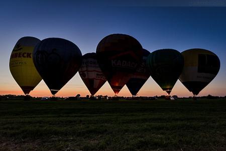 Ballonmeeting Wilhelmshaven: Ballonglühen auf dem Ferienhof Petersburg