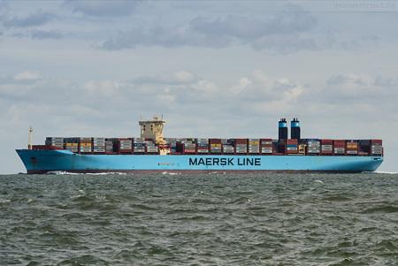 JADEWESERPORT: Containerschiff MAERSK MC-KINNEY MØLLER (outbound)