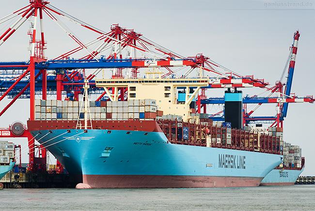 Baureihe TRIPLE-E-KLASSE 1. GENERATION (Mette Maersk) von MAERSK am Containerhafen JadeWeserPort