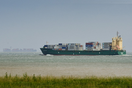 Abfahrten Jade-Weser-Port: Feederschiff NORDIC STANI auslaufend
