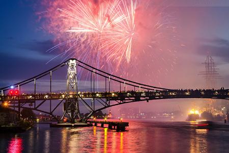 Wilhelmshaven: Feuerwerk beim Wochenende an der Jade 2015