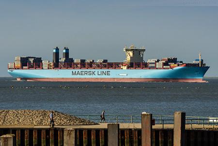 Schiffsankünfte JadeWeserPort: Die MARIT MAERSK auf Jungfernfahrt