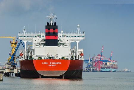 Wilhelmshaven NWO: Tanker LOCH RANNOCH löscht 78.953 t Erdöl