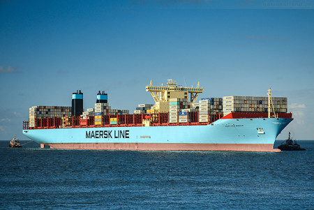Jade-Weser-Port Wilhelmshaven: Triple-E-Klasse MARCHEN MAERSK