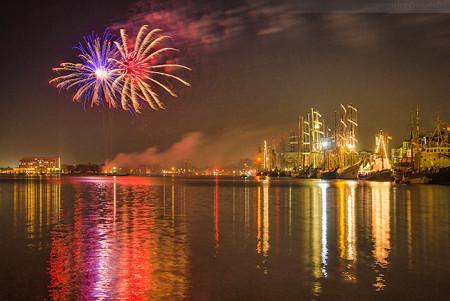 Feuerwerk beim JadeWeserPort-Cup 2015 in Wilhelmshaven