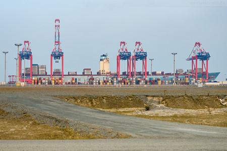 JADE-WESER-PORT: Containerschiff EBBA MAERSK (Emma-Maersk-Klasse)