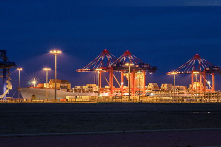 Container Terminal Wilhelmshaven (CTW): ELEONORA MAERSK (L 398 m)