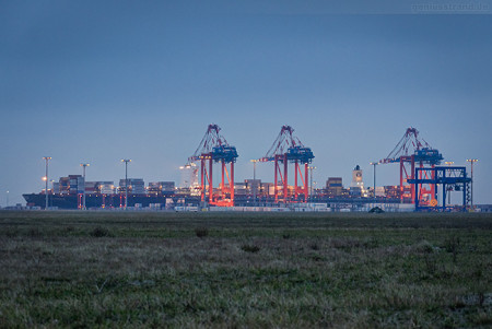 Jade-Weser-Port Schiffsankünfte: Containerschiff MSC AMSTERDAM (L 399 m)