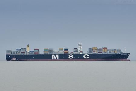 Schiffsankünfte Jade-Weser-Port: Containerschiff MSC TRIESTE (L 366 m)