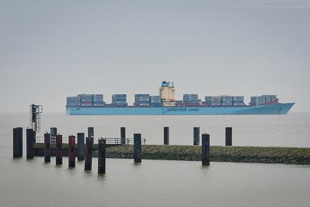 Schiffsankünfte JadeWeserPort: Containerschiff MAERSK BROOKLYN (L 294 m)