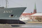 Wilhelmshaven: Tanker Spessart (A 1442) beim Schleife fahren
