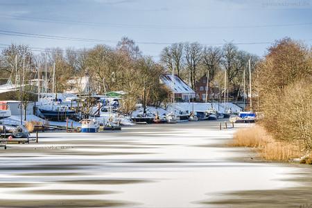 Wilhelmshaven: Der Rüstersieler Hafen im Winterschlaf