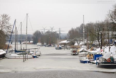 Wilhelmshaven: Winterbild vom Rüstersieler Hafen