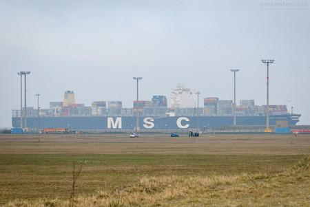 Schiffsankunft Jade-Weser-Port: Containerschiff MSC AURORA (L 366 m)