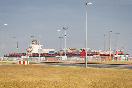 JADEWESERPORT: Erstanlauf Containerschiff MOZAMBIQUE (L 299 m)