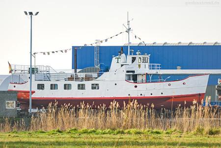 Wilhelmshaven: Die ETTA VON DANGAST (L 26 m) in der Neuen Jadewerft