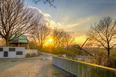 WILHELMSHAVEN: Sonnenuntergang am Rüstringer Berg