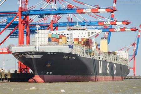 JadeWeserPort Seeseite: Containerschiff MSC ALTAIR (L 366 m)