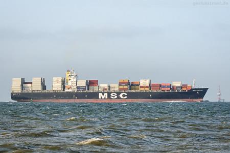Schiffsankünfte JadeWeserPort: Containerschiff MSC KRYSTAL (L 277 m)