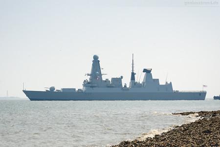 Wilhelmshaven: HMS DUNCAN (D37) auf dem Weg in Richtung Skagerrak