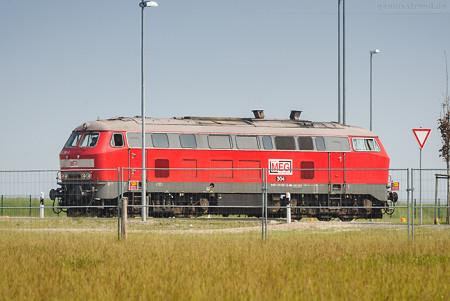JadeWeserPort: Diesellok (218 390-3) Mitteldeutsche Eisenbahn GmbH (MEG)