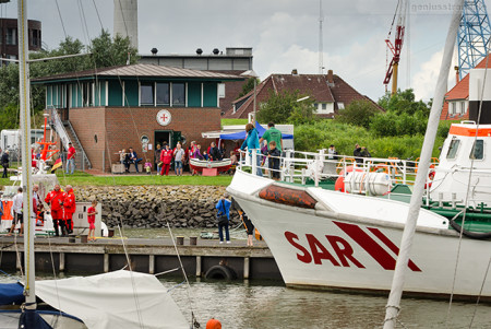 DGzRS Wilhelmshaven: TAG DER SEENOTRETTER 2016 im Nassauhafen