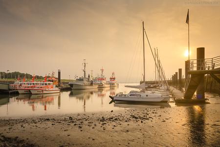 Wilhelmshaven Nassauhafen: Morgendliche Stimmung am Fluthafen