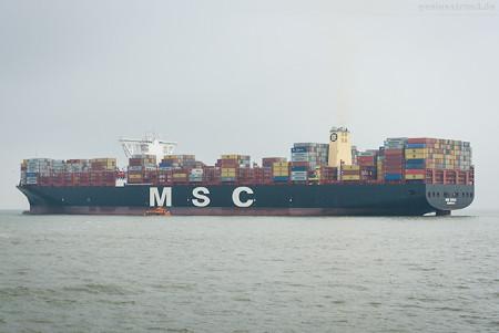 Containerschiff MSC MIRJA (L 398 m) verlässt den JadeWeserPort