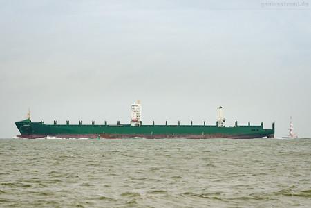 Wilhelmshaven: Containerschiff BARBARA (L 294 m) kommt vom JadeWeserPort