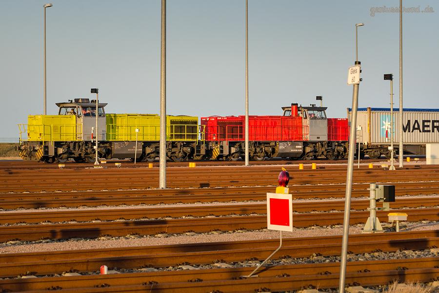 Wilhelmshaven: Containerzug verlässt den JadeWeserPort/Container Terminal Wilhelmshaven