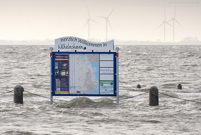 WILHELMSHAVEN: Sturmtief DIETER brachte Sturmflut