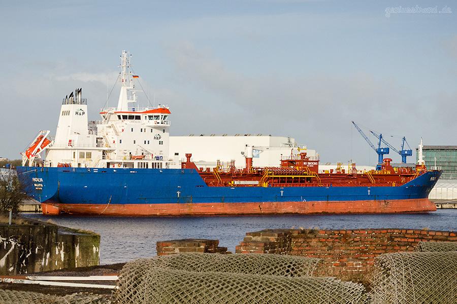 Tanker PATALYA (L 144m) hatte in der Nacht Maschinenprobleme