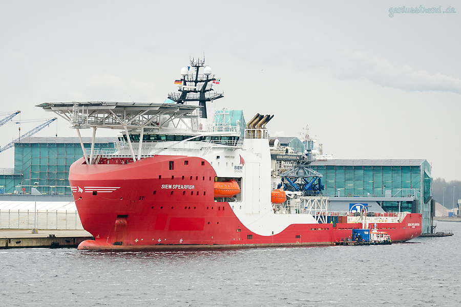 WILHELMSHAVEN: Offshore Subsea Construction Vessel (OSCV) SIEM SPEARFISH (L 121 m) am Hannoverkai