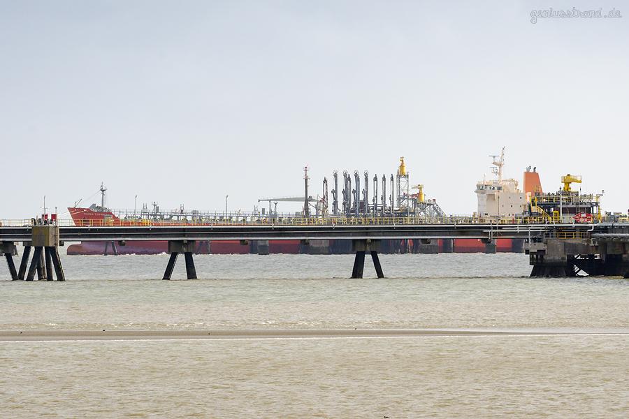WILHELMSHAVEN WRG-Umschlaganlage (HES Tankfarm): Tanker MAREX EXPRESS (L 183 m)