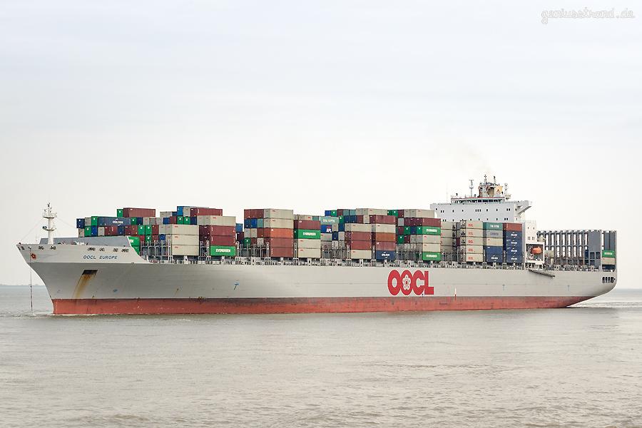 Abfahrten Containerterminal Wilhelmshaven: Containerschiff OOCL EUROPE (L 323 m)