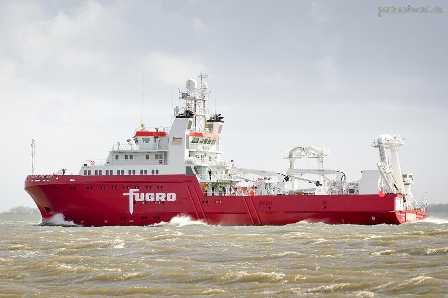 Schiffsneubau: Forschungsschiff FUGRO VENTURER (L 72 m) auf Werfterprobungsfahrt