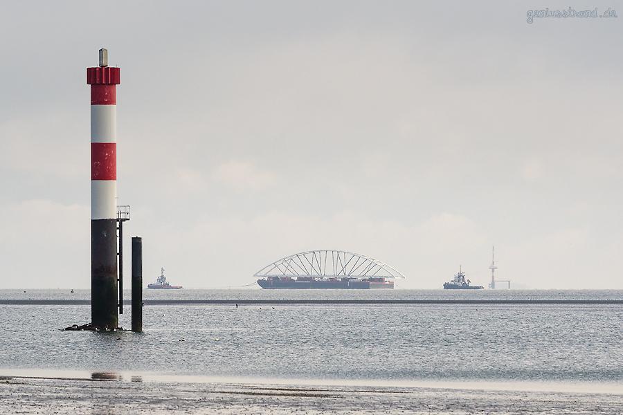 WILHELMSHAVEN: Die neue Brücke ist Richtung Norwegen unterwegs